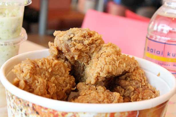 Fried chicken bucket Sun Valley CA