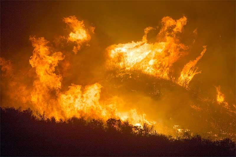 La Tuna Canyon Fire Near Sun Valley CA 2017